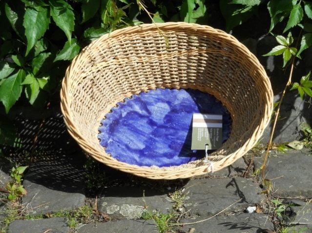 Peddigrohrschale mit Seegrasschnur und Keramikboden